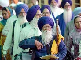 Sikh pilgrims are marching